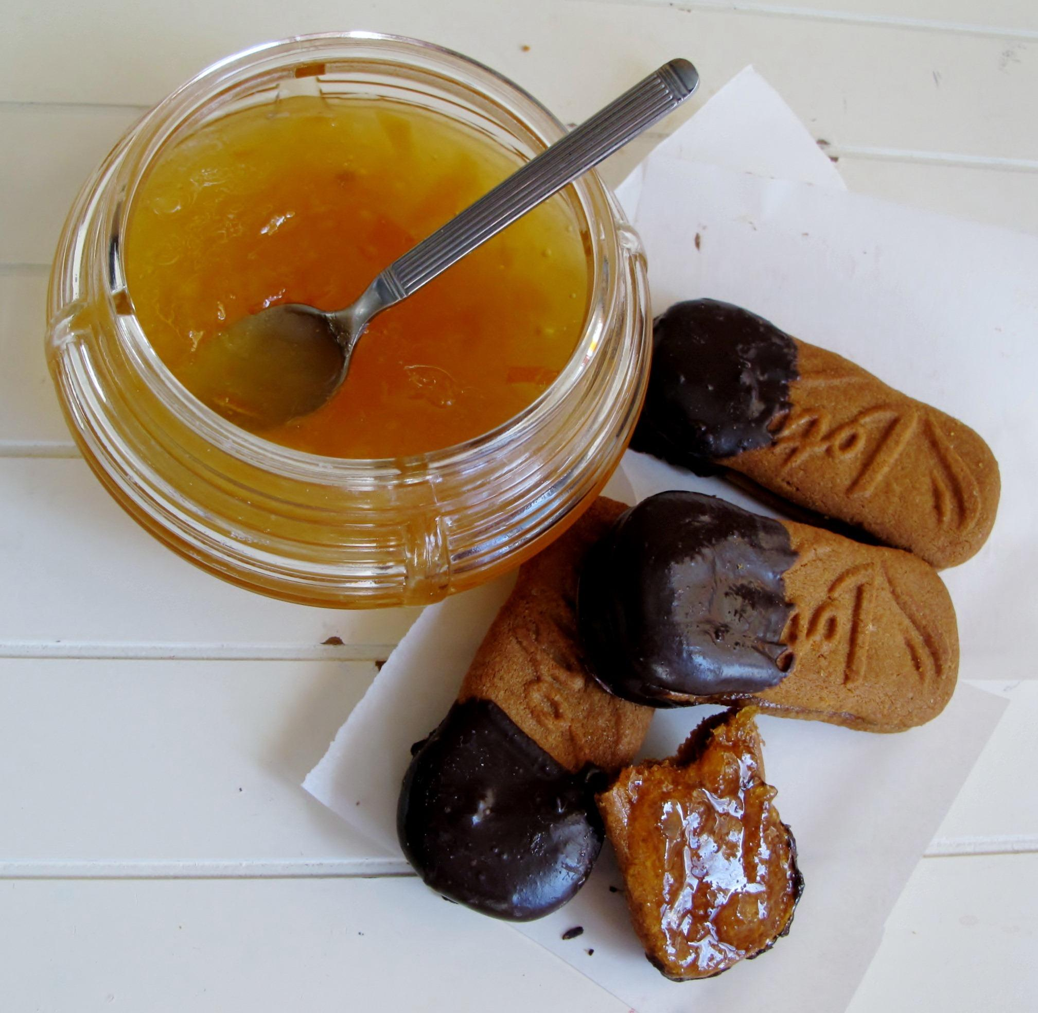 Orange Marmalade-Filled Cookies Dipped in Chocolate