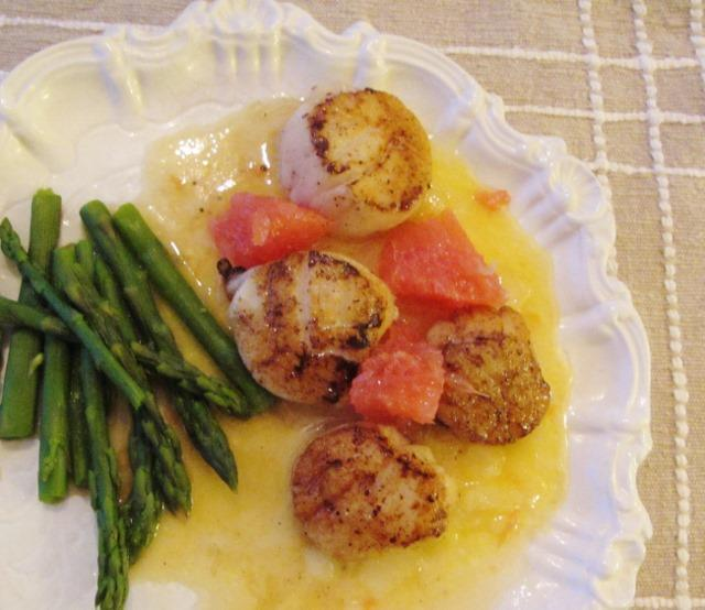 Seared Scallops with Grapefruit Butter Sauce